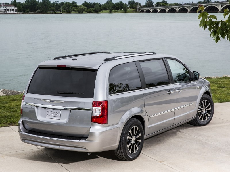 chrysler town country 2008 2016 reviews. Black Bedroom Furniture Sets. Home Design Ideas